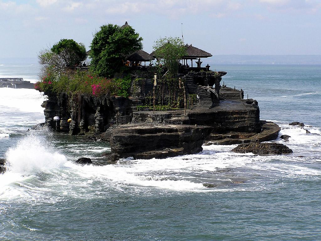 Best Holiday Destination Place Interest Tours In Bali Dreamland Beach In Uluwatu
